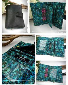 La Fontaine des Faits sur Instagram: Idée cadeau 😍 : le Compère de #sacotin. Décliné ici en simili cuir noir et un magnifique tissu batik dans les teintes de vert, bleu canard,…