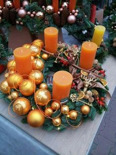 Simple and popular Christmas candle decorations; Christmas decorations DIY The post Simple and popular Christmas candle decorations appeared first on DIY projects. Christmas Advent Wreath, Christmas Candle Decorations, Christmas Candles, Christmas Crafts, Advent Wreaths, Candle Centerpieces, Diy Candles, Centerpiece Decorations, Navidad Diy