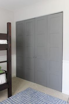 How to make craftsman style 5 panel closet doors using flush hollow core bi-fold doors, using only plywood. Perfect way to upgrade old, cheap doors. Diy Closet Doors, Closet Makeover Diy, Painted Closet, Cheap Closet, Cheap Doors, Closet Bedroom, Door Makeover, Closet Makeover, Wardrobe Doors