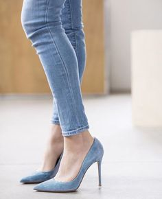 The denim fit and the heels ❤️