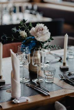 miss freckles photography · Hochzeitsfotografin in Salzburg Freckle Photography, Wedding Decorations, Table Decorations, Salzburg, Table Settings, Inspiration, Ideas, Biblical Inspiration, Wedding Decor