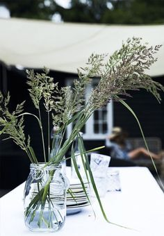 7 Sublime Useful Ideas: Clear Vases Dollar Tree tall vases events.Ceramic Vases With Flowers geometric vases painted. Big Vases, Clear Vases, Tall Vases, White Vases, Rustic Style, Modern Rustic, Denmark Fashion, Wooden Vase, Vase Shapes