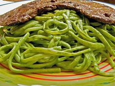 Peruvian Tallarin Verde con Bistec - a Spanish pesto.  one of my all time favorite meals.