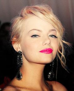 Emma Stone. Makeup. Love her lip color...wish I could pull that off :-)