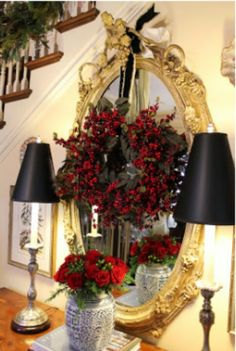 Top 40 Elegant Black And Gold Christmas Decoration Ideas - Christmas Celebration - All about Christmas Noel Christmas, All Things Christmas, Christmas Wreaths, Christmas Crafts, Victorian Christmas, Gold Christmas Decorations, Holiday Decor, Home Decoracion, Foyer Decorating