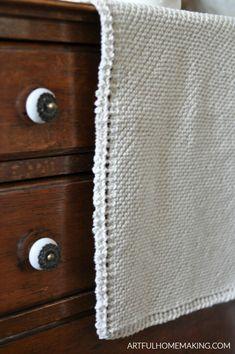 Grandmother's Favorite Kitchen Towel Knitting Pattern - Artful Homemaking Knitted Dishcloth Patterns Free, Knitted Washcloths, Knit Dishcloth, Sweater Knitting Patterns, Easy Knitting, Knitted Blankets, Knit Patterns, Dish Towel Crafts, Dish Towels