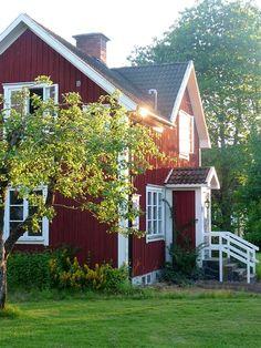 Scandinavian Farmhouse: Den här härliga villan med potential ligger utanfö...