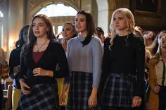 Photos - Legacies - Season 2 - Promotional Episode Photos - Episode - This is Why We Dont Entrust Plans to Muppet Babies - Vampire Diaries Funny, Vampire Diaries The Originals, Legacy Tv Series, Web Series, Book Series, Lizzie Hearts, Tv Show Outfits, Muppet Babies, Hope Mikaelson