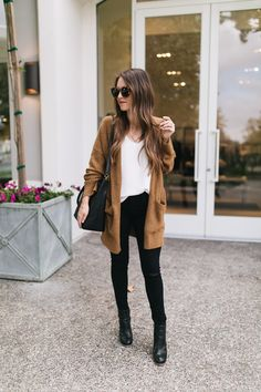 My Model Pinboard Cozy Camel Cardigan Camel Pants Outfit, Brown Cardigan Outfit, Black Booties Outfit, Cardigan Outfits, Casual Outfits, Cute Outfits, Fall Transition Outfits, Fall Winter Outfits, Zuhair Murad