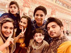 He Jin, Aditi Sharma, Family Photos, Couple Photos, Cute Couples, Bollywood, Dramas, Projects, Fashion