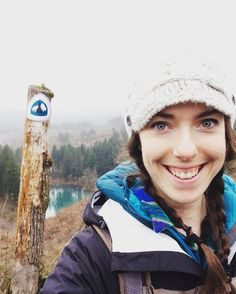 #fbf to colder weather and the day I hiked my first section of the #PCT -- I had a dream about this last night... There's something about the Pacific Northwest forests that will forever be etched in my heart. Sometimes when I breathe in deep I can feel the crisp air and pungent smell of the soil after or during the rain. -- I'll be back someday but for now this memory is strongly in my bones and I'm incredibly grateful for that  #getoutside #pnw #explore #myhappyplace #pacificcresttrail…