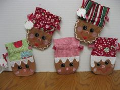 Gingerbread Gift Bag Set would be cute made into pot holders, too!!