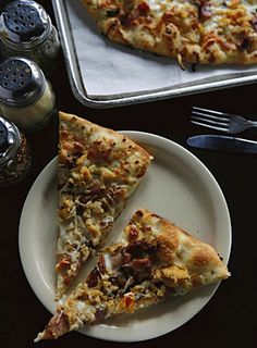 """""""White Clam Pie"""" pizza at Piece"""