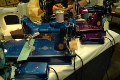 Singer Sewing Machines: Meet the Singer Featherweight