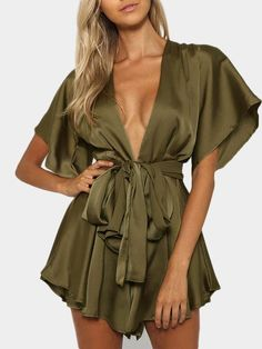 Yoins Army Green V-neck Cut Out Self-tie Playsuit Trendy Outfits, Summer Outfits, Fashion Outfits, Summer Dresses, Party Fashion, Work Fashion, Light Dress, Playsuit Romper, Short Dresses