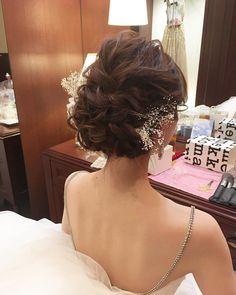 "#wedding hair #ウェディングヘア #かすみ草 #ふんわり #シニヨン #hヘアスタイル #ウェディング #hair styles #wedding #updo #bridalhair #hairarrange #love #favorite #hair&make ceu (@ceu_wedding) on Instagram: ""・ ・ ふんわりまとめた、シニヨンスタイル♪ ・ ・ 提携先の @vermillonbague さん♪ ・ チャペルや、屋上のガーデンがとっても素敵でした♡ ・ ・ ・ *ceu wedding……"""