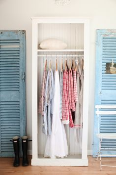 Perfect for a guest room - no need to clean out the actual closet before they visit.