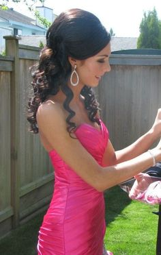 Okay Okay ik this is PROM but WHAT ABOUT WEDDING HAIR? i love it!