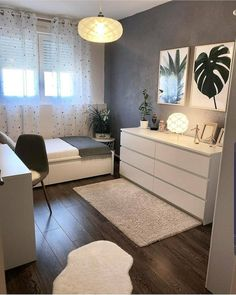 45 Minimalist bedroom decoration ideas that are comfortable … – Bedroom Inspirations Room Ideas Bedroom, Small Room Bedroom, Cozy Bedroom, Bedroom Apartment, Bedroom Furniture, Scandi Bedroom, Small Bedroom Ideas For Teens, Master Bedroom, Small Bedroom Designs