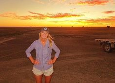 Our great mate @ellen_amy takes in another great  sunset. Shop ladies blue Birdsville dress shirt link in bio $99.95 www.ringerswestern.com