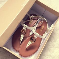 Mk sandals. I have two pairs of these. And these are the best sandals I've ever had on my feet. I got mine at Macy's if u can stll find them. You'll LOVE them. Lisa :-)♥♥♥