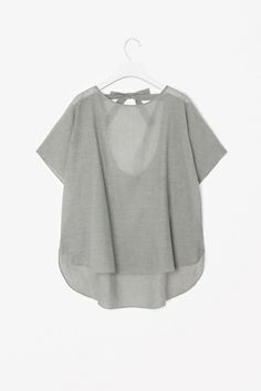 Minimal + Classic: Top with tie fastening