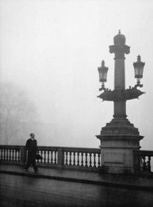1950's. Berlage bridge in fog in Amsterdam. Photo Maria Austria Instituut / Kees Schrerer #amsterdam #1950
