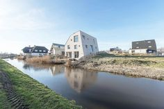 Completed in 2016 in Monster, The Netherlands. Images by Mirko Merchiori. 'House…
