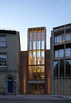 Niall McLaughlin updates Cambridge college using historically suitable materials Architecture Renovation, Architecture Today, Watercolor Architecture, Industrial Architecture, Futuristic Architecture, Architecture Design, Conservation Architecture, Cambridge College, Timber Pergola