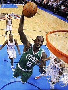 Kevin Garnett going up for the dunk
