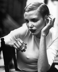 """labsinthe: """"Nadja Auermann photographed by Peter Lindbergh for Kathleen Madden Campaign F/W """" Nadja Auermann, Peter Lindbergh, Portrait Photography, Fashion Photography, Helmut Newton, Women Smoking, People Smoking, Famous Models, Best Photographers"""