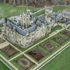 Margam Castle, Wales Castle House, Castle Ruins, Wales Uk, Kirchen, Beautiful Castles, Beautiful Buildings, Beautiful Places, Architecture, Paris Hotels
