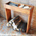 You need a indoor firewood storage? Here is a some creative firewood storage ideas for indoors. Lots of great building tutorials and DIY-friendly inspirations! Firewood Rack Plans, Indoor Firewood Rack, Firewood Storage, Workbench Plans, Woodworking Workbench, Woodworking Projects Diy, Desk Plans, Pallet Projects, Diy Projects