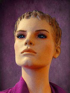 'Frauen-Portrait++|++Die+Puppe'+von+Dirk+h.+Wendt+bei+artflakes.com+als+Poster+oder+Kunstdruck+$18.03