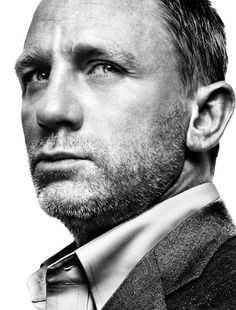 Daniel Craig - English actor, best known for playing British secret agent James Bond since Love that he married Rachel Weisz. Foto Portrait, Portrait Studio, Portrait Photography, White Photography, Daniel Craig, Gorgeous Men, Beautiful People, Pretty People, World Press Photo