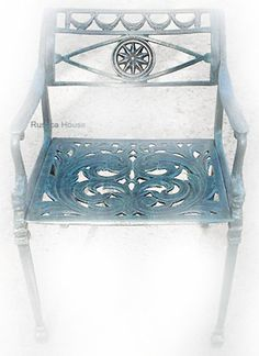 Rustica House Star garden chairs are hand made of cast aluminum. This production technique makes our yard furniture strong and rigid. #myRustica