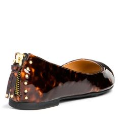 Tortoise shell with zipper detail? Yes please.