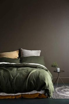 Terrific Love this muddy brown feature wall and olive green bedding. Such a warm palette! The post Love this muddy brown feature wall and olive green bedding. Such a warm palette!… appeared first on Decor . Bedroom Inspo, Home Bedroom, Bedroom Decor, Bedroom Ideas, Master Bedroom, Bedroom Designs, Bedroom Girls, Queen Bedroom, Green Bedding