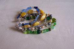 Bracelet manchette 4 rangs Liberty perles bleu, jaune,vert printemps de la boutique OthersJewels sur Etsy