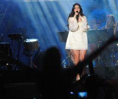 Lana Del Rey durante su performance en el Planeta Terra Festival 2013 en Brasil