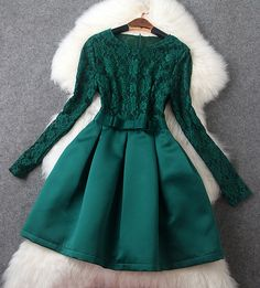 Long Sleeve Belted Lace Dress in Green