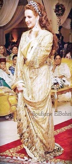 Princess Lalla Salma of Morocco, in the wedding day of his RA Prince Moulay Rachid. Her fine style always inspires me ..