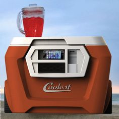 An All-In-One Cooler That Plays Music, Charges Devices, Blends Juices And More - DesignTAXI.com
