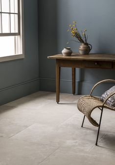 Discover the top tile trends for Keep it timeless with our marble tiles, create a stunning living space with our indoor outdoor porcelain tiles & more! Stone Kitchen Floor, Kitchen Tiles, Kitchen Flooring, Kitchen Redo, Tiled Hallway, Hallway Flooring, Flagstone Flooring, Limestone Flooring, Kitchen Orangery