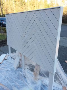 33 ideas plywood furniture design diy headboards for 2019 Plywood Furniture, Furniture Projects, Home Projects, Diy Furniture, Furniture Design, Herringbone Headboard, Chevron Headboard, Herringbone Gear, Homemade Headboards