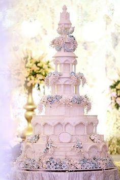 Remarkable Wedding Cake How To Pick The Best One Ideas. Beauteous Finished Wedding Cake How To Pick The Best One Ideas. Huge Wedding Cakes, Extravagant Wedding Cakes, Amazing Wedding Cakes, Elegant Wedding Cakes, Elegant Cakes, Wedding Cake Designs, Wedding Desserts, Indian Wedding Cakes, Gorgeous Cakes