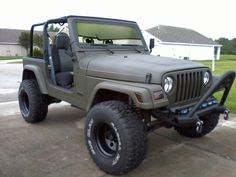 I think I've found the direction I'd like to take my Jeep. This is clean, purposeful and aggressive at the same time. Jeep Tj, Jeep Wrangler Tj, Jeep Baby, Pink Jeep, Jeep Life, 4x4, Cool Photos, Monster Trucks, Atvs
