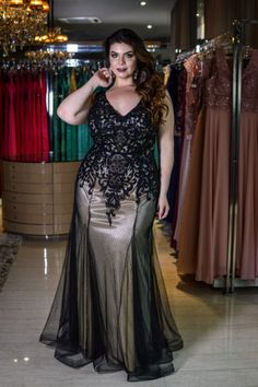Big girls can b sexy too! Plus Size Prom, Plus Size Gowns, Plus Size Outfits, Elegant Dresses, Pretty Dresses, Plus Size Evening Gown, Big Size Dress, Plus Size Fashion Tips, Curvy Girl Fashion