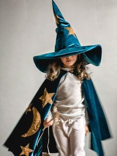 Wizard Costume Wizard Hat Magic Hat Christmas gifts Kid's Costume Hanukkah gifts Wizard Robes Sorcerers Costume Boy Girl - Kids costumes Wizard Costume For Kids, Black Girl Halloween Costume, Halloween Kids, Dark Fairy Costume, Magician Costume, Fancy Dress, Dress Up, Wizard Robes, Capes For Kids