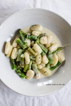 SaskiarundumdieUhr: Gnocchi mit grünem Spargel